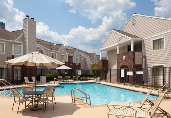 Hapeville, GA: Outdoor Pool