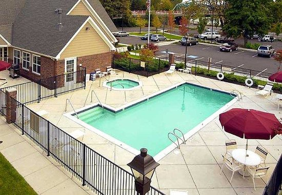 Residence Inn Eugene Springfield: Outdoor Pool