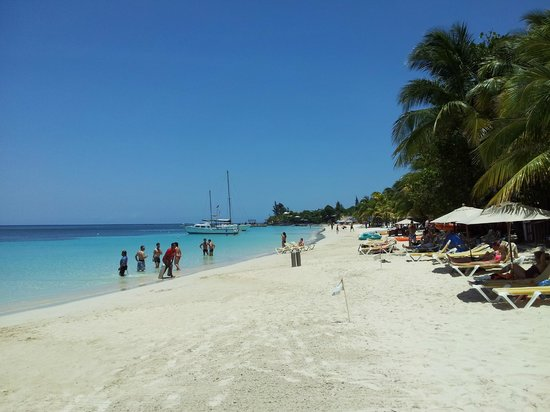Mayan Princess Beach & Dive Resort: The beach