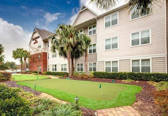 Residence Inn Ocala: Putting Green