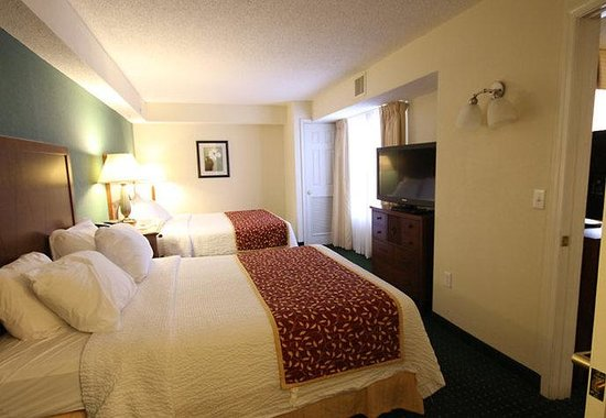 Residence Inn Salisbury: One-Bedroom Queen/Queen Suite