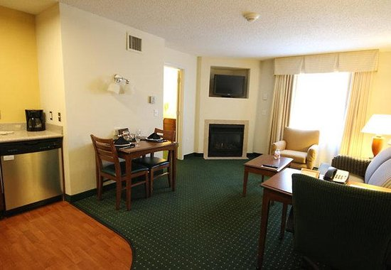 Residence Inn Salisbury: One-Bedroom Executive Suite