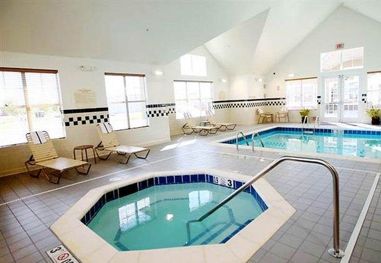 Residence Inn Billings: Hot Tub