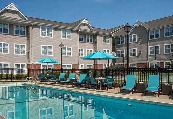 Residence Inn by Marriott Charlottesville: Outdoor Pool