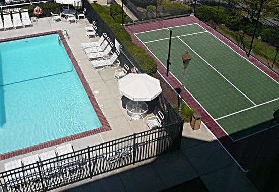 Residence Inn Richmond Northwest: Outdoor Pool