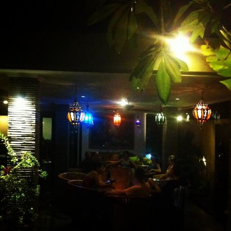 Villa Bugis: Dining at night