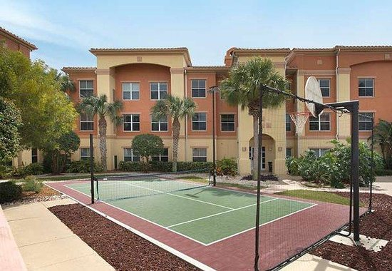 Residence Inn by Marriott Naples: Sport Court