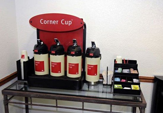 TownePlace Suites Miami Airport West / Doral Area: Corner Cup