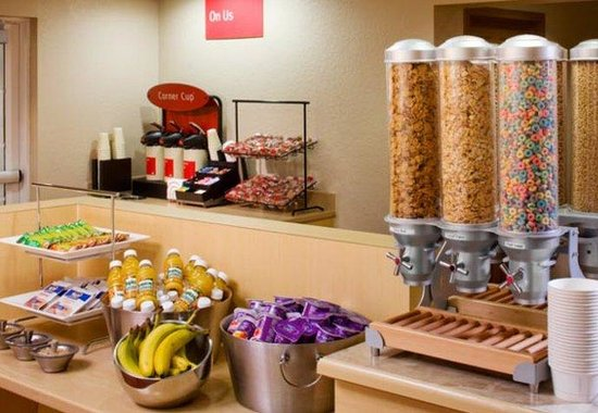 TownePlace Suites Miami Airport West / Doral Area: Grab-N-Go Breakfast