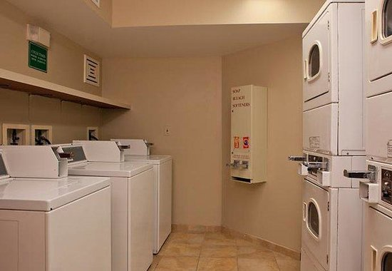 TownePlace Suites Sterling Dulles North: Guest Laundry