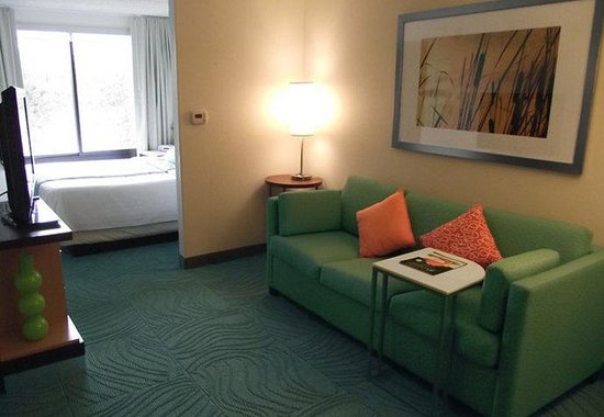 SpringHill Suites Austin Northwest / Arboretum: Studio Suite Sitting Area