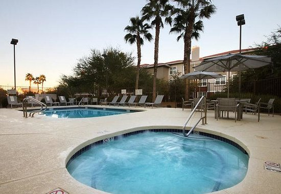SpringHill Suites Phoenix Chandler/Fashion Center: Outdoor Spa