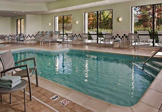 SpringHill Suites Raleigh-Durham Airport/Research Triangle Park: Indoor Pool