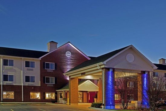 Vernon Hills, IL: Hotel Exterior
