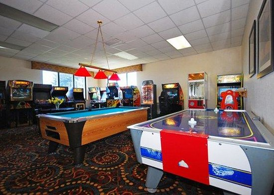 Lake Ariel, PA: Game room