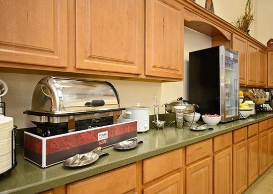 Comfort Inn of Butte: Hot breakfast items