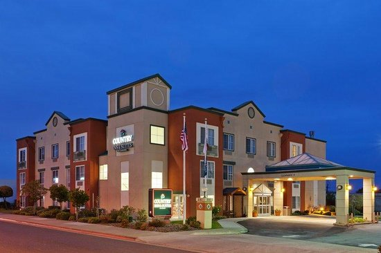Country Inn &amp; Suites by Carlson - San Carlos: CountryInn&amp;Suites SanCarlos Exterior Dusk