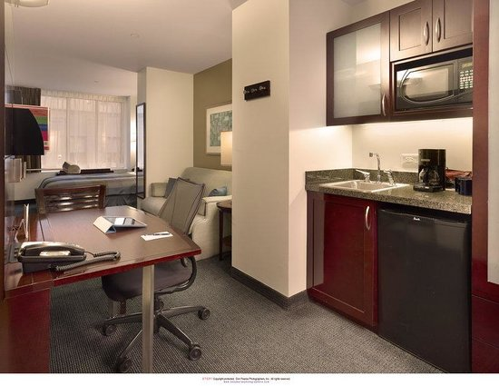 Club Quarters, opposite Rockefeller Center: One Room Suite