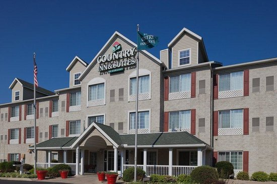 Country Inn &amp; Suites Columbus Airport: CountryInn&amp;Suites ColumbusAirport  ExteriorDay