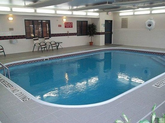 Country Inn & Suites Columbus Airport: Indoor Swimming Pool