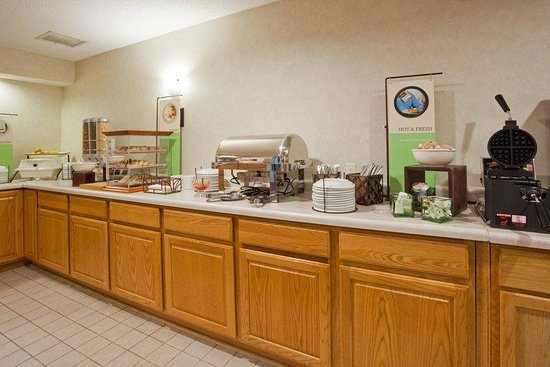 Chippewa Falls, WI: Breakfast Room