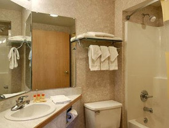 Shelburne, : Bathroom