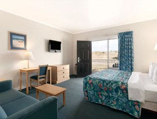 Days Inn Kill Devil Hills Oceanfront - Wilbur: Standard King Bed Room