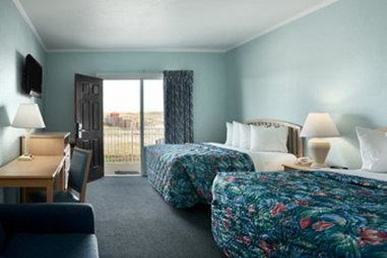 Days Inn Kill Devil Hills Oceanfront - Wilbur: Dunefront Room With 2 Queen Beds