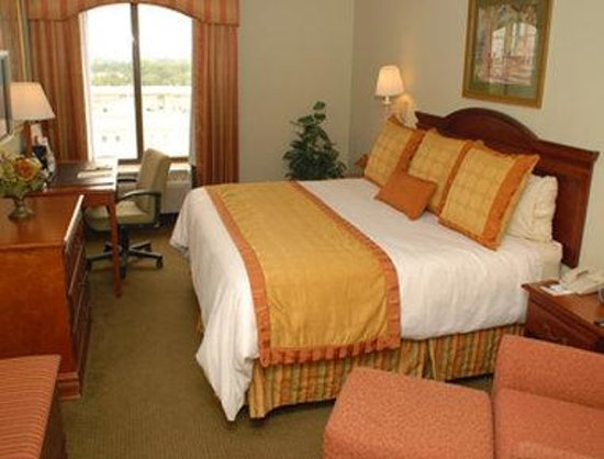 Inn at Ellis Square: Standard King Bed Room