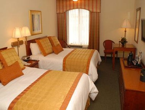 Inn at Ellis Square: Standard Two Double Bed Room