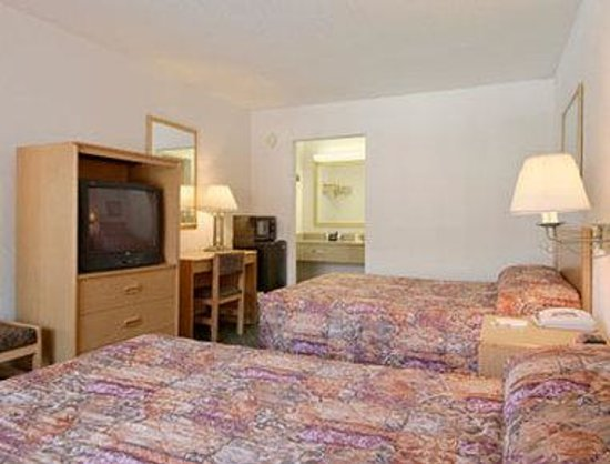 Days Inn West Palm Beach - Airport North: Standard Two Double Bed Room