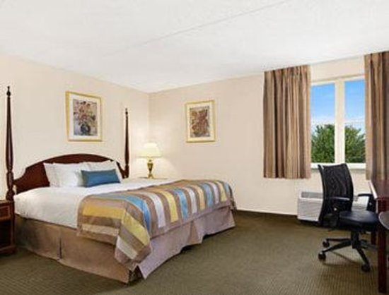 Days Inn Hershey: Standard King Bed Room