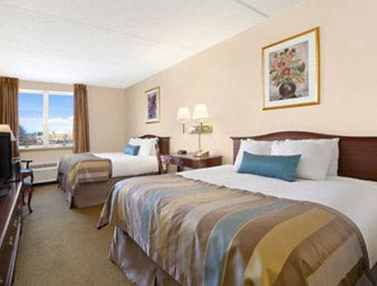 Days Inn Hershey: Standard Two Queen Bed Room