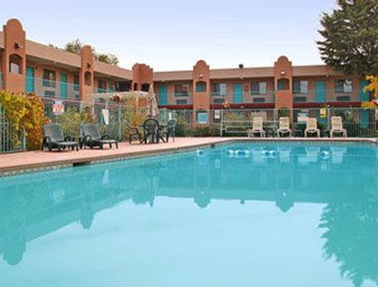 Days Inn Santa Fe: Pool
