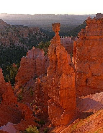 Abbey Inn: Thor's Hammer at Bryce Canyon