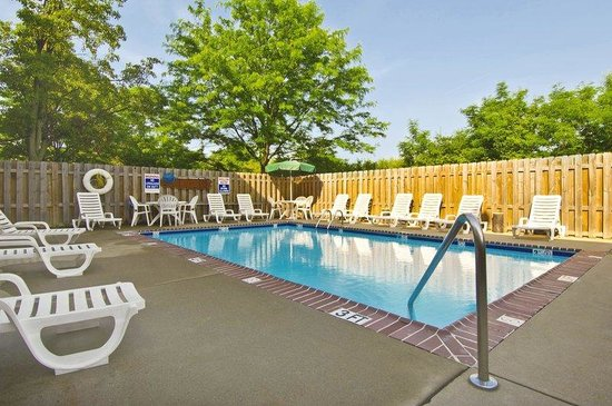 Extended Stay America - Raleigh - Cary - Harrison Ave.: Swimming Pool