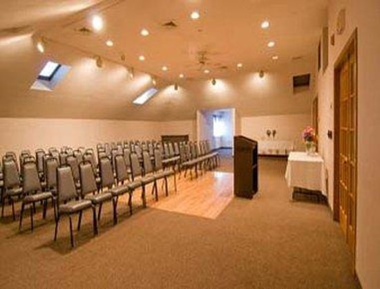 Days Hotel & Conference Center-Methuen: Lilac Room