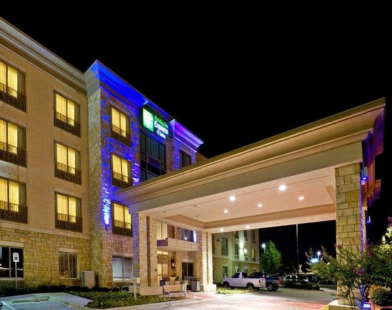 Holiday Inn Express & Suites Allen North - Event Center: Hotel Exterior
