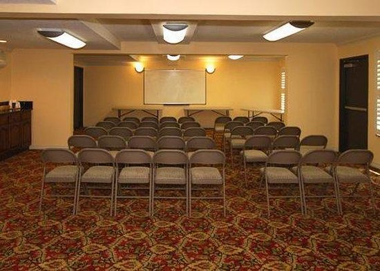 Comfort Inn &amp; Suites Bell Gardens: Meeting Room