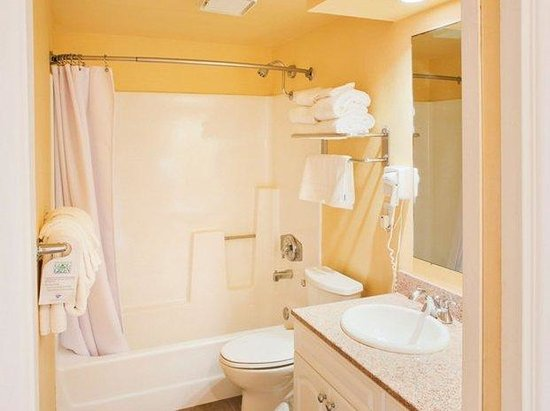 Southern California Beach Club: Bathroom