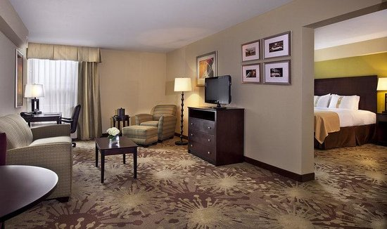 Holiday Inn Gurnee Convention Center: Suite
