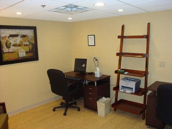 Holiday Inn Hotel & Suites Boston-Peabody: Business Center