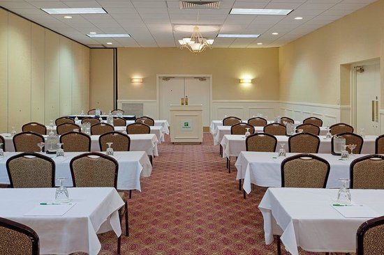 Holiday Inn Hotel & Suites Boston-Peabody : Meeting Room