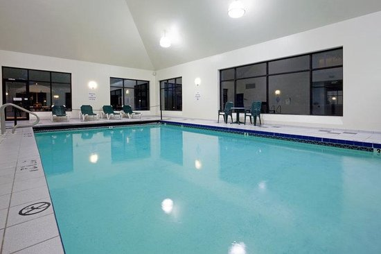 Holiday Inn Hotel &amp; Suites Boston-Peabody: Swimming Pool