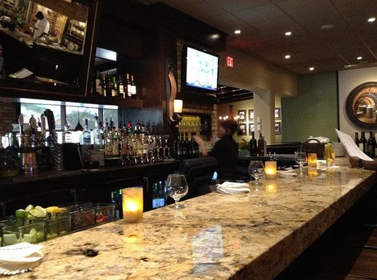 Holiday Inn Hotel & Suites Boston-Peabody: Bar and Lounge