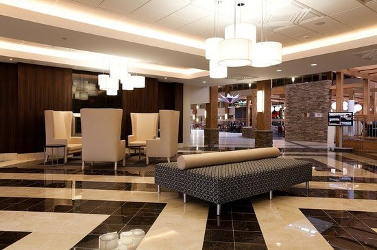 Crowne Plaza, Suffern: Reception Lobby beautiful decor