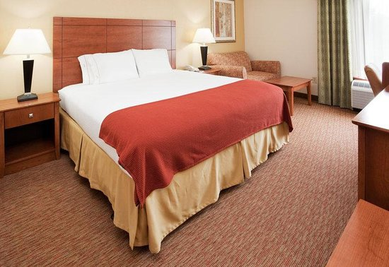 Holiday Inn Express Raleigh-Durham Airport : Guest Room