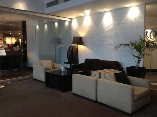 Crowne Plaza Hotel Helsinki: Lounge area in the hotel