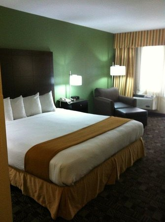Holiday Inn Express Solana Beach/Del Mar: Holiday Inn Express Solana Beach Refreshed King Bed Guest Room