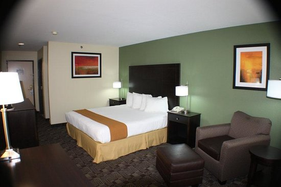 Holiday Inn Express Solana Beach/Del Mar: Newly Renovated Executive King Bedroom